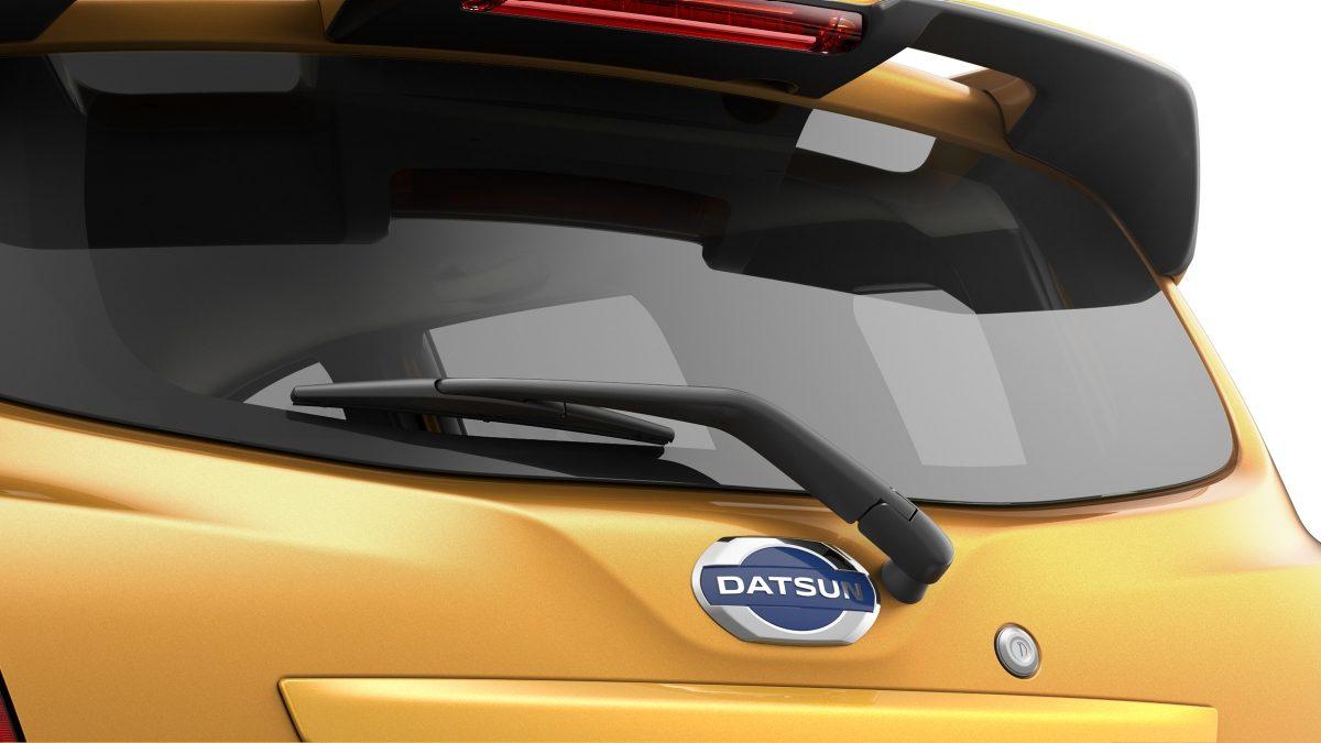 Datsun Cross rear window with wiper